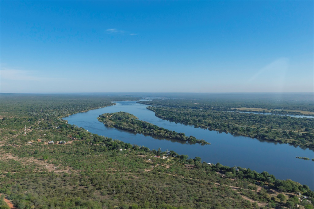 zambezi river before victoria falls
