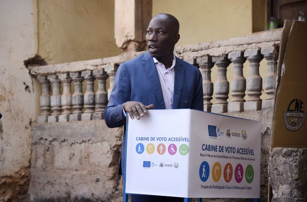 Domingos Simoes Pereira, the presidential candidate for the African Party for the Independence of Guinea and Cape Verde (PAICG), votes at a polling station during the second round of the presidential election in Bissau, on December 29, 2019.