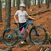 Exploring the Knysna Heroes MTB trail with Lizzy