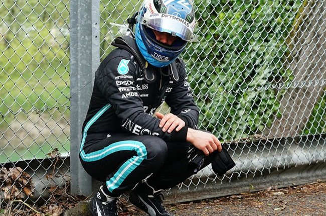 Formula One World Championship, Emilia-Romagna Grand Prix, race. Valtteri Bottas from Finland of the Mercedes-AMG Petronas F1 Team sits on the fence after the accident with Williams driver Russell.