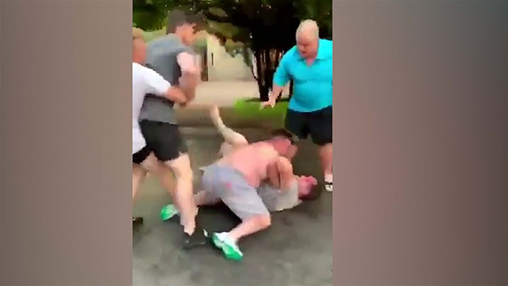 On Monday social media was a buzzing, after a video of a group of Kyalami Estate residents fighting in the street surfaced.
