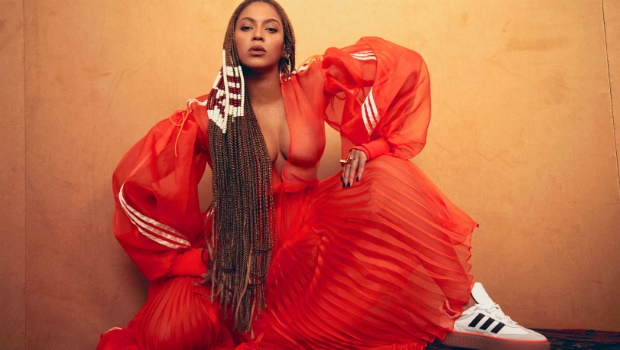Beyonce unboxes Ivy park collection
