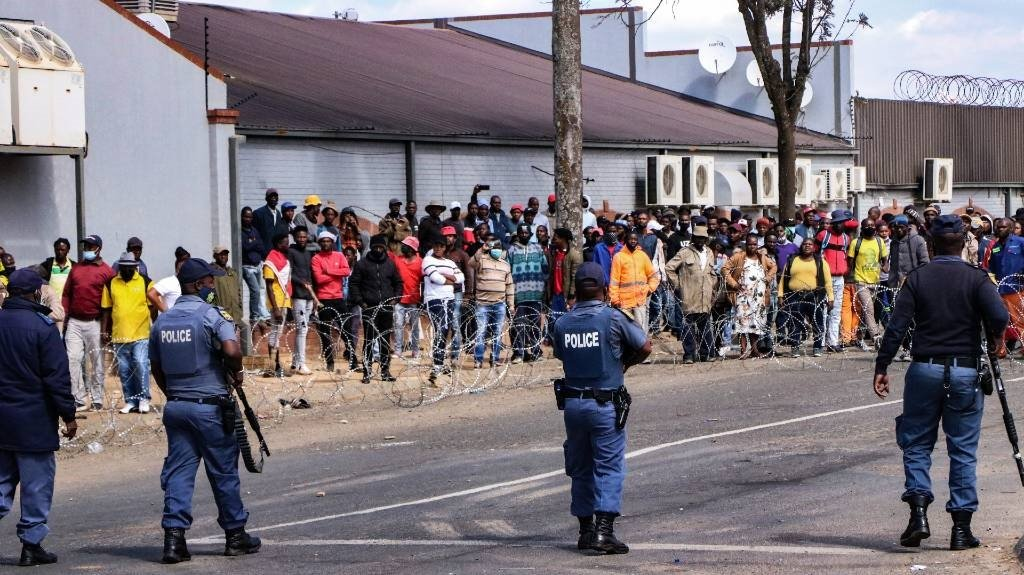Tensions ran high in the town of Mkhondo, Mpumalanga after protesters hit the streets following a shooting incident on a farm.