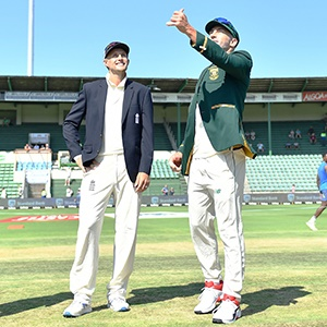 Joe Root (left) and Faf du Plessis (Gallo Images)