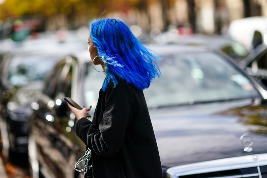 PARIS, FRANCE - OCTOBER 01: A guest wears a black