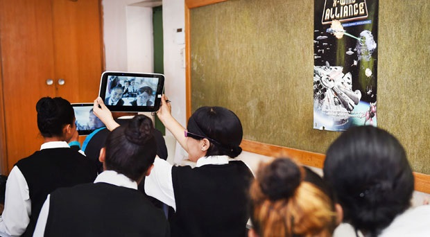 Eastern Cape matric pupils fail to return 55 000 Samsung tablets to education dept - News24