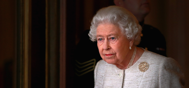 Queen Elizabeth cancels public appearance due to cold - Channel 24