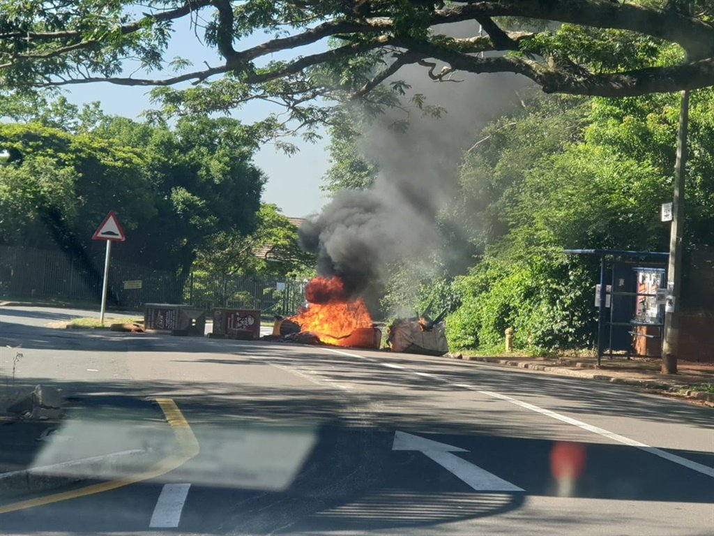 Violent protests have broken out at UKZN campuses in Durban. (Photo supplied)