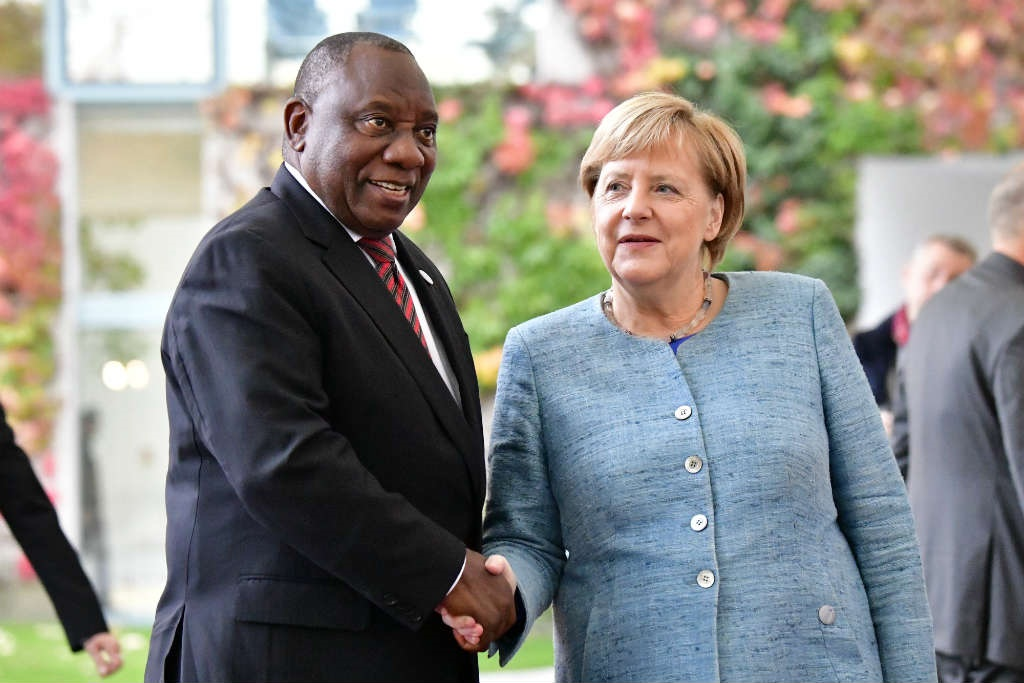German Chancellor Angela Merkel with President Cyril Ramaphosa before the 'Compact with Africa' conference in Berlin on October 30, 2018. (Tobias Schwarz/AFP)