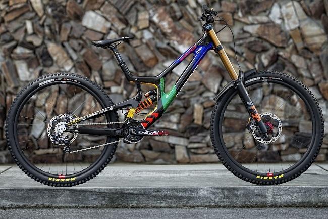 This is Greg Minnaar's 2021 race bike, in its proudly South African colours (Photo: Santa Cruz bikes)