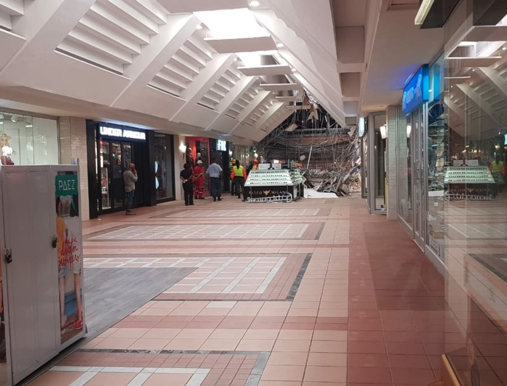 Aftermath of Somerset Mall ceiling collapse (PHOTO: Supplied by ER24)