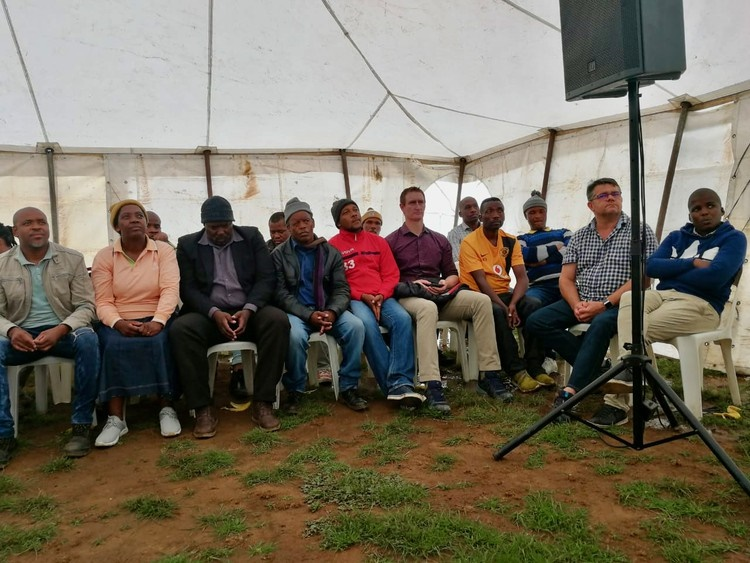 Eastern Cape Premier Oscar Mabuyane visited Amahlathi residents after a petition sent to his office. (Johnnie Isaac, GroundUp)