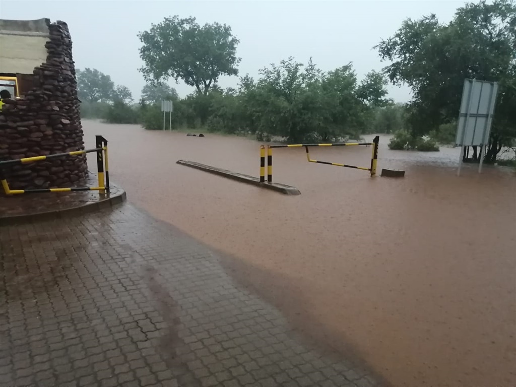 PICS | Kruger Park closes roads and other facilities following heavy rains - News24