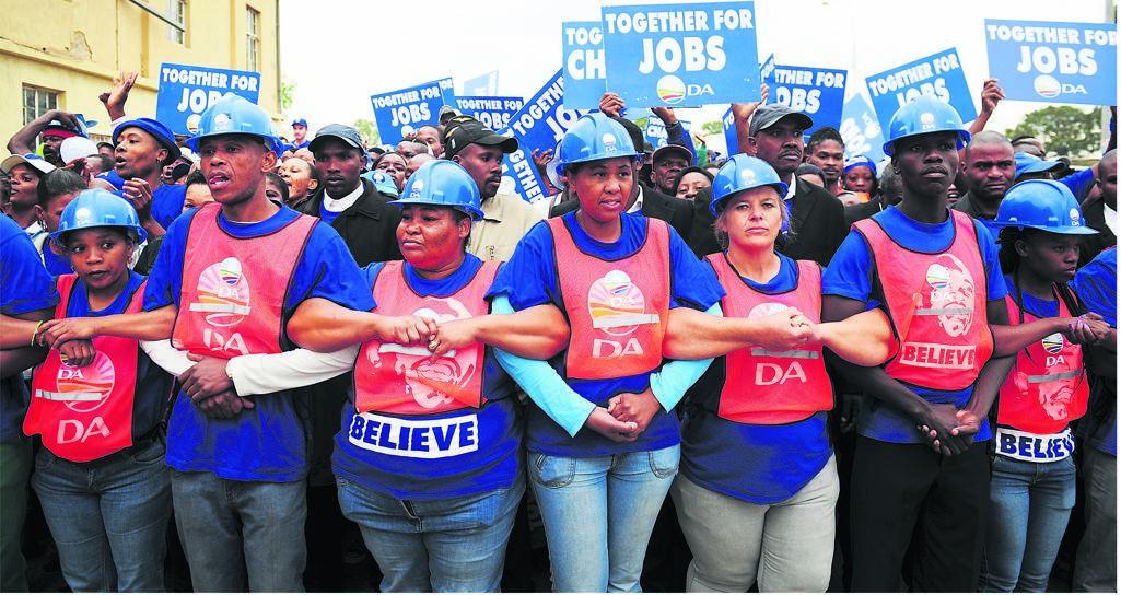 John Steenhuisen scores major boost as provincial DA leaders throw weight behind him - News24