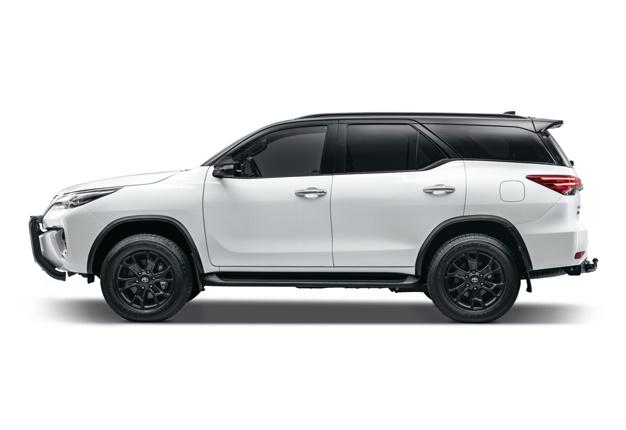 Toyota Fortuner, Epic Black