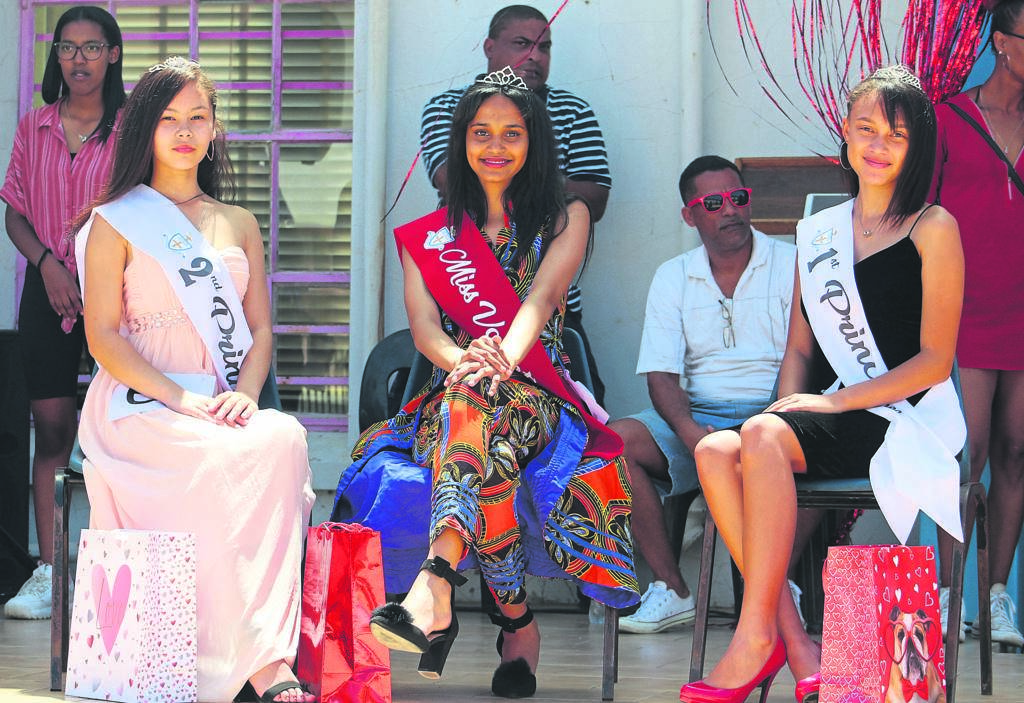 On Friday, 14 February Uitenhage High School successfully hosted her first fundraising event of the year. The event took the form of a talent show with the highlight of the day being the crowing of Miss Valentine. The school wishes to congratulate the winners (from left) Kashifa Schoeman (second princess), Brooklyn Prince (Miss Valentine 2020) and Tuscany McAllister (first princess).                           Photo:SUPPLIED