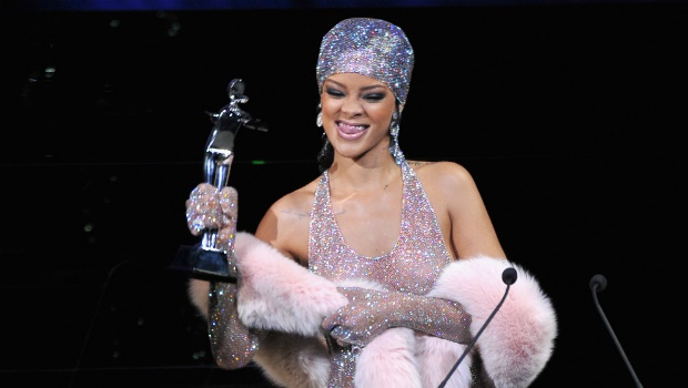 10 best red carpet moments from Rihanna