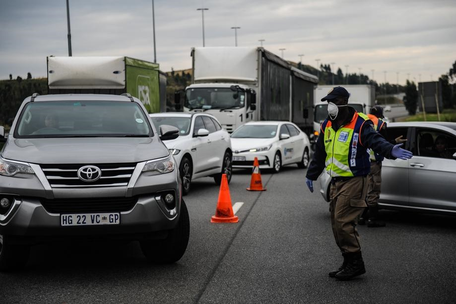 Johannesburg Metro Police Officers conduct a roadblock at the N1 near Soweto. Picture: Rosetta Msimango/City Press