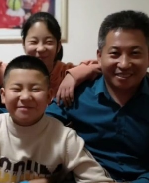 Liu Liqin and abducted son. (Photo: AsiaWire/MAGAZINEFEATURES.CO.ZA)