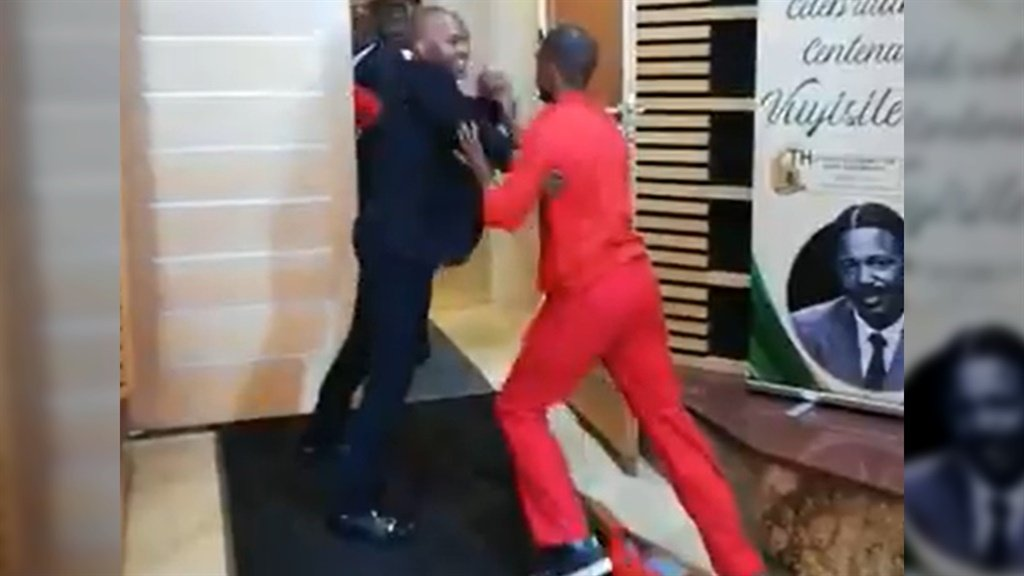 Cops fire rubber bullets at EFF members during Eastern Cape budget speech thumbnail