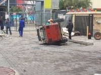 Yesterday morning at Gateway Mall in Durban a Bobcat fell over from exhaustion...