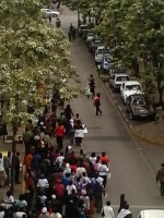 Clear road as motorist avoid the crowd.  (Philip Kithome, News24 user)