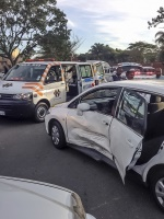A Side impact accident along Hillhead Drive in Mount Edgecombe has left four people injured. (Chris Botha, Netcare 911)